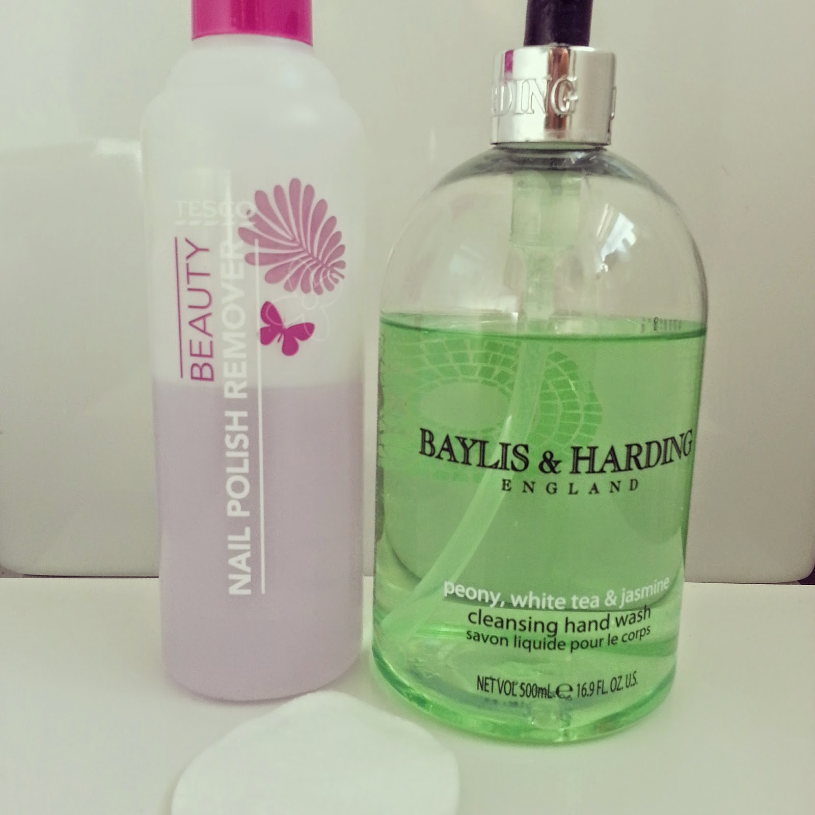nail-polish-remover-baylis-and-harding-soap