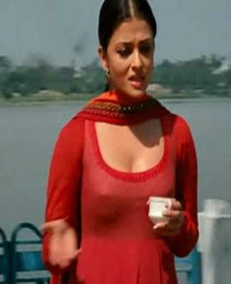 Bollywood Actress Aishwarya Rai Nipple Slip Rare Cleavage Photos hot photos