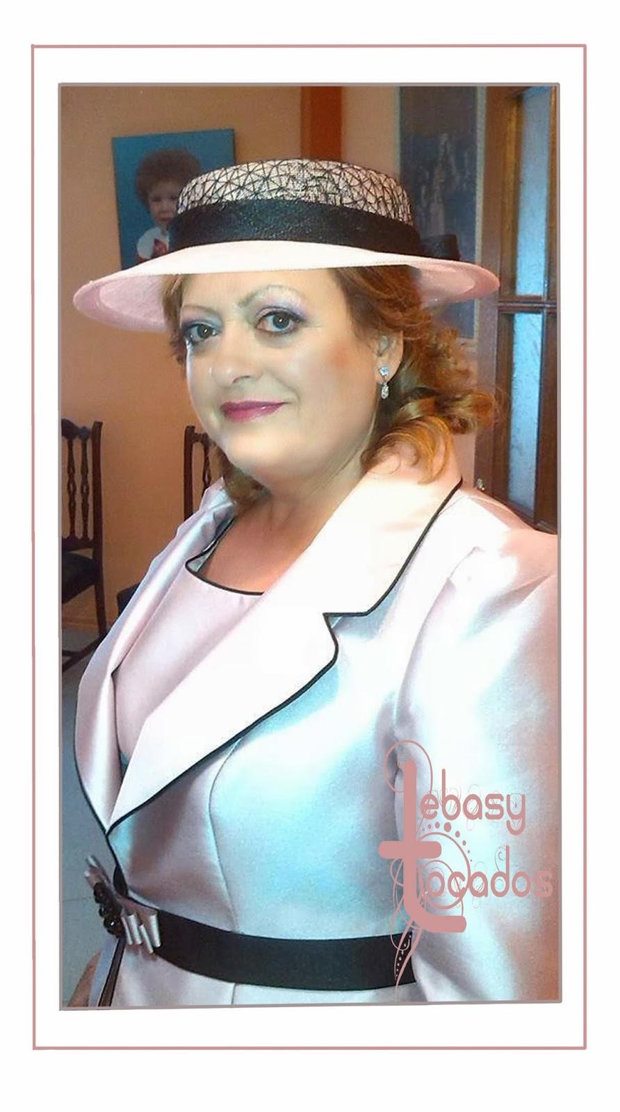 Sombrerito Lebasy en tonos rosa nude y negro