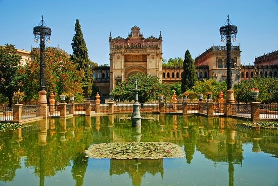 holiday in Spain, La Sagrada Familia, Christopher Columbus, Plaza de Espana, Maria Luisa Park, holiday in Madrid, tour to barcelona