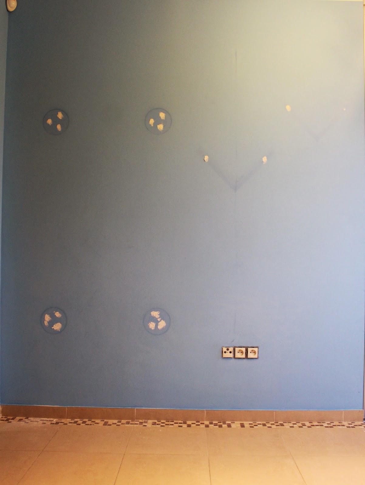 szpachlowanie ścian,niebieska ściana w pokoju dziecka,inspiracje pokoje dziecięce,blog DIy krok po kroku tutoriale majsterkowanie
