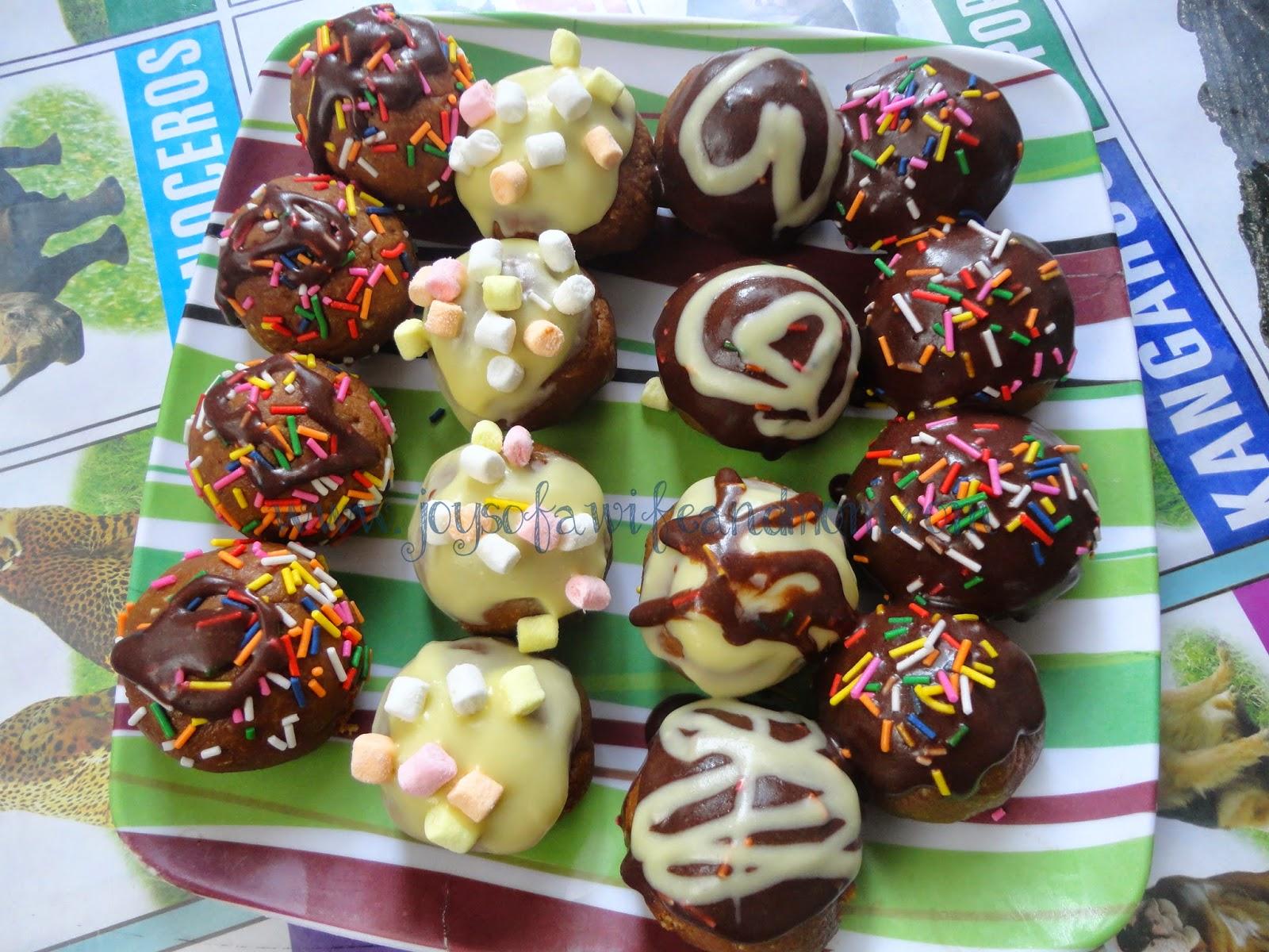 Home-made Graham Cake Balls