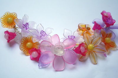 Flora: Lucite flowers silver wire, OOAK necklace :: All Pretty Things