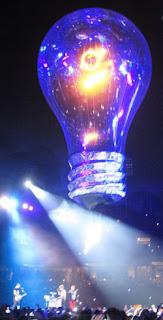 Concierto de Muse Barcelona 2013 - Bombilla gigante