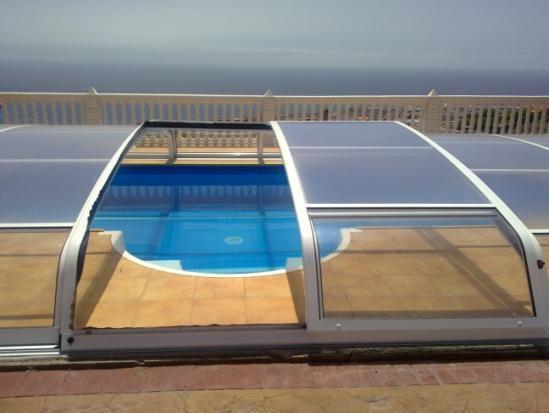 Cubiertas de piscinas baratas y de calidad porque la for Fabricacion de piscinas