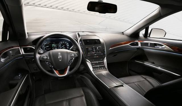 2013-Lincoln-MKZ-studio-interior