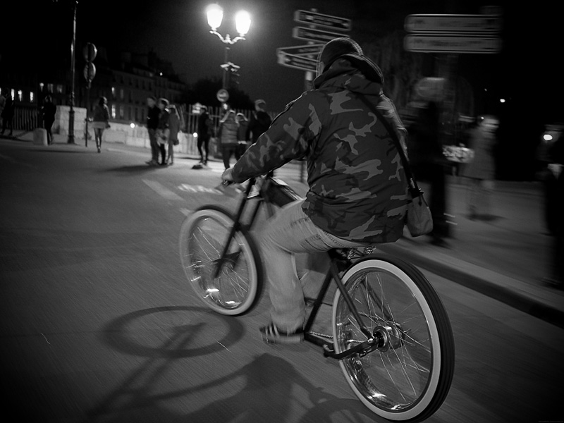 beachcruiser custombrigade paris nightcruise cruise cruising cruiser kustom custom vélo chopper hickone bicyclette lowrider lowbike strechbike
