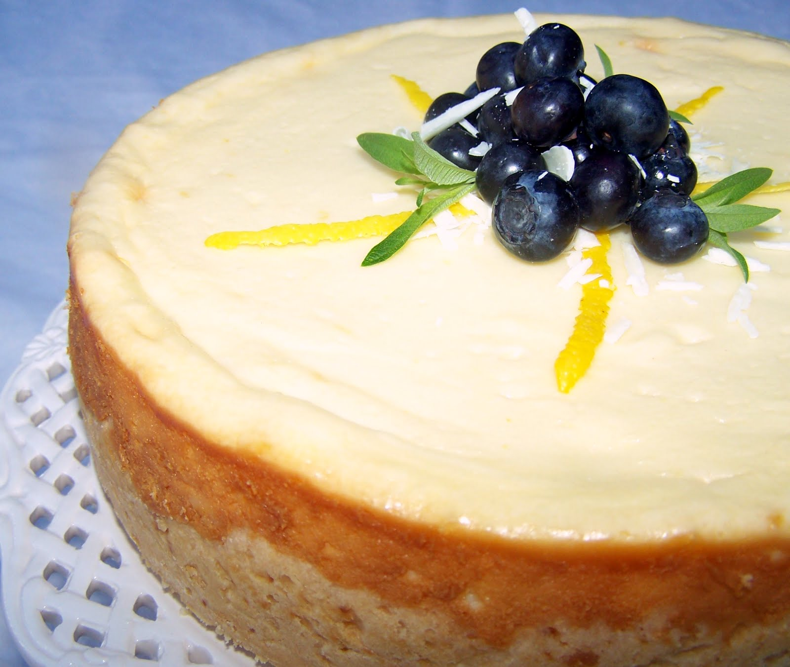 White Chocolate Cheesecake With White Chocolate Brandy Sauce Recipes ...