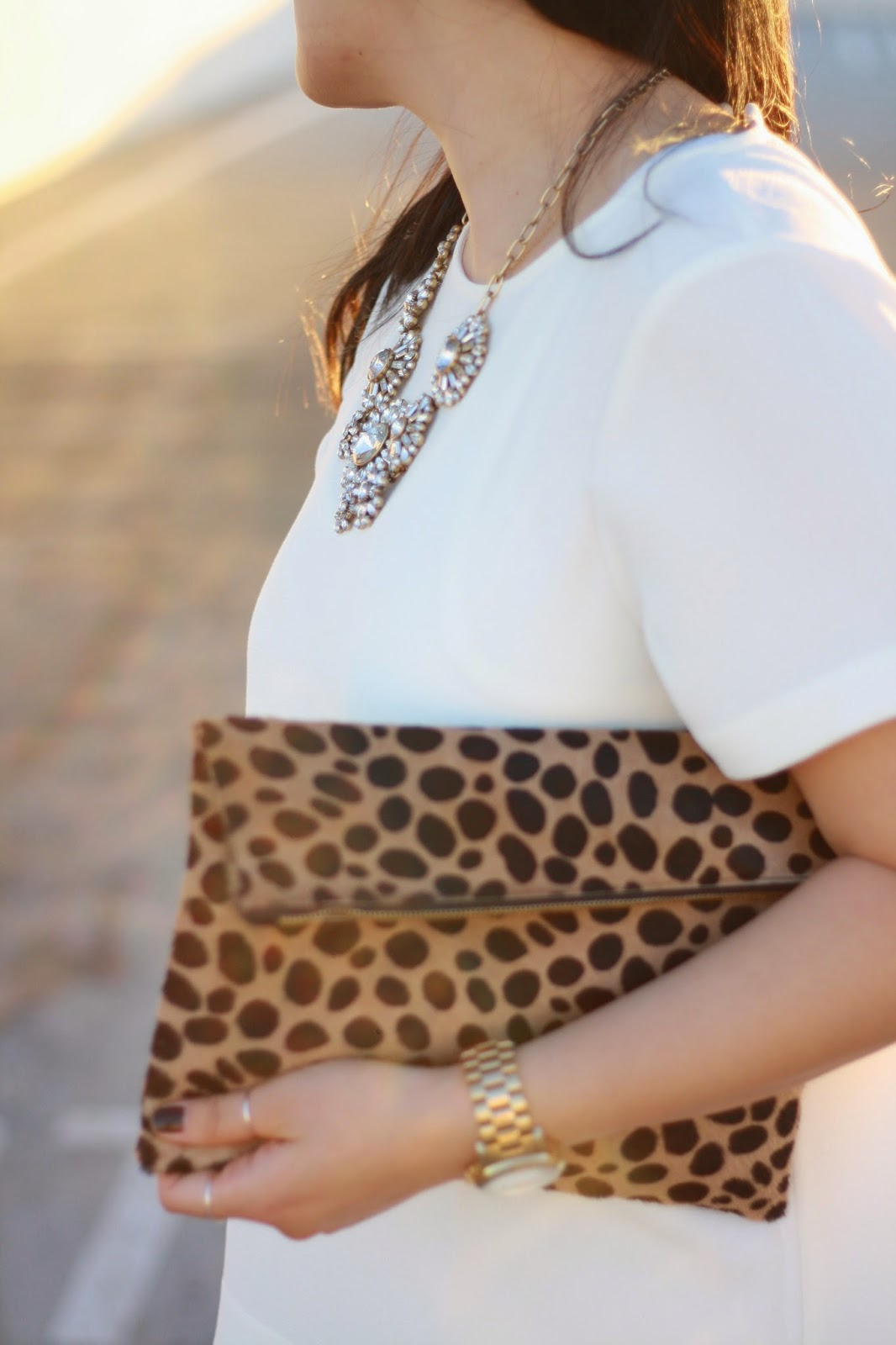 simplyxclassic, blogger, madewell, jcrew, dolce vita, rayban, mommy blogger, leopard clare vivier clutch