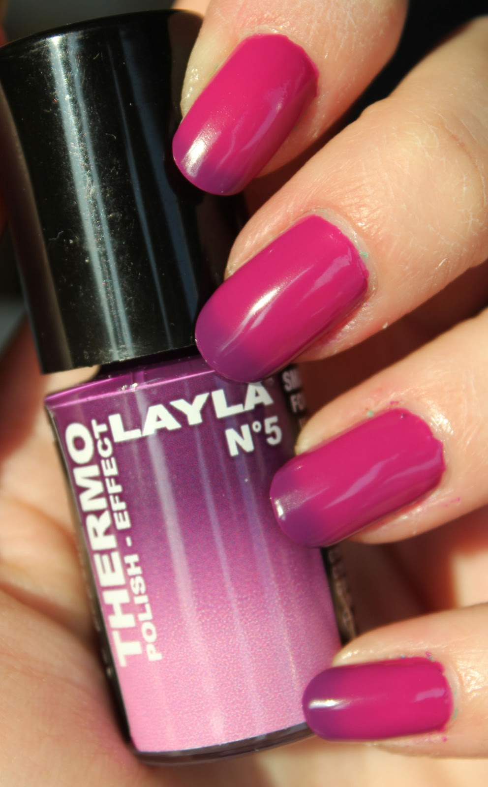 http://lacquediction.blogspot.de/2014/05/layla-thermo-polish-nr-5.html