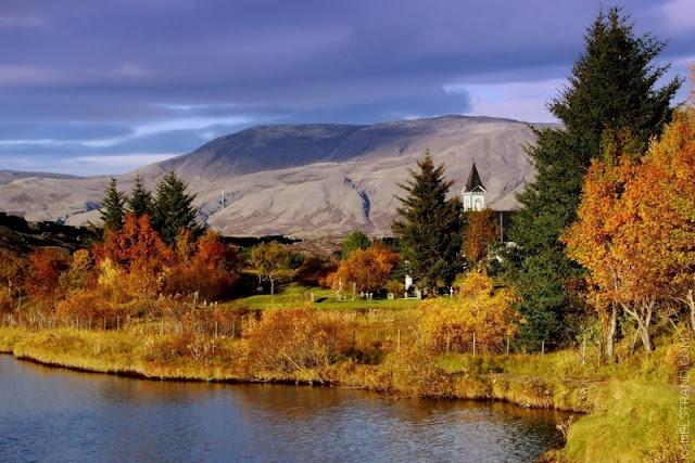 Kanelstrand Scandinavian Autumn October In Iceland