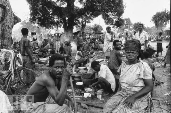 """the nigerian civil war Ebere onwudiwe, """"international reactions to the nigerian civil war,"""" in osaghae, onwudiwe, and suberu, nigerian civil war and its aftermath, 414–16 52 there is a good bit written on the relations between the united states and nigeria."""