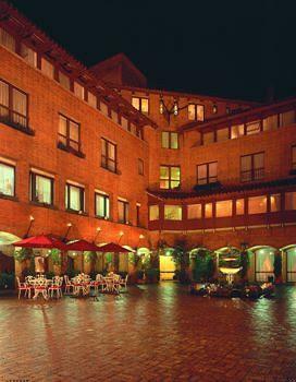 Nov.2005 HOTEL LA FONTANA