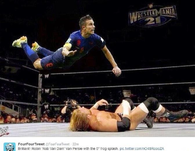 Kumpulan Foto Parody Terbang Robin van Persie