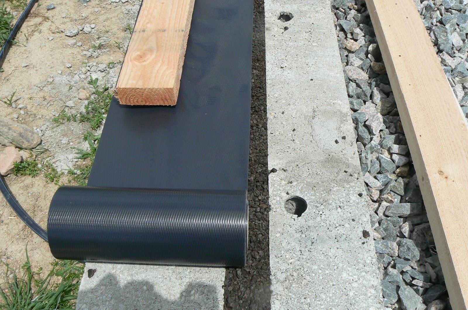 autoconstruction d 39 une maison en paille lentigny juin 2012. Black Bedroom Furniture Sets. Home Design Ideas