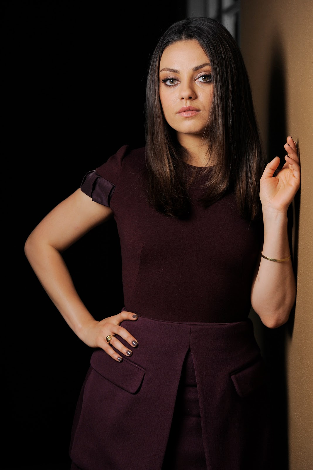 Mila Kunis – TED Photocall Full HD Images
