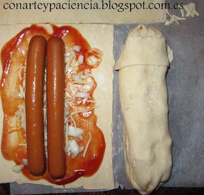 perrito,caliente,autentico,casero,ketchup,american,americana,horno,crujiente,bocadillo,patatas,fritas,mostaza,cebolla,perro,cena,facil,receta,niños,hojaldre