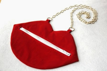 http://craftystaci.com/2015/02/04/craft-remix-kiss-bags/