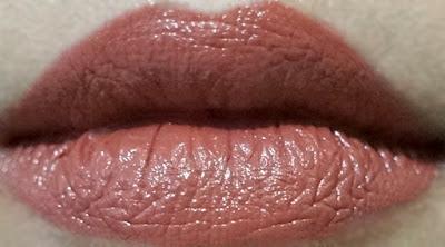 Wet n Wild Mega Last Lip Color in Sandstorm 913C