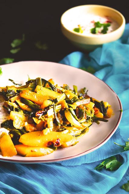 simple bengali style alu pyajkoli recipe