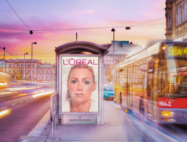 Blanca Balzola montaje parada bus L'oreal
