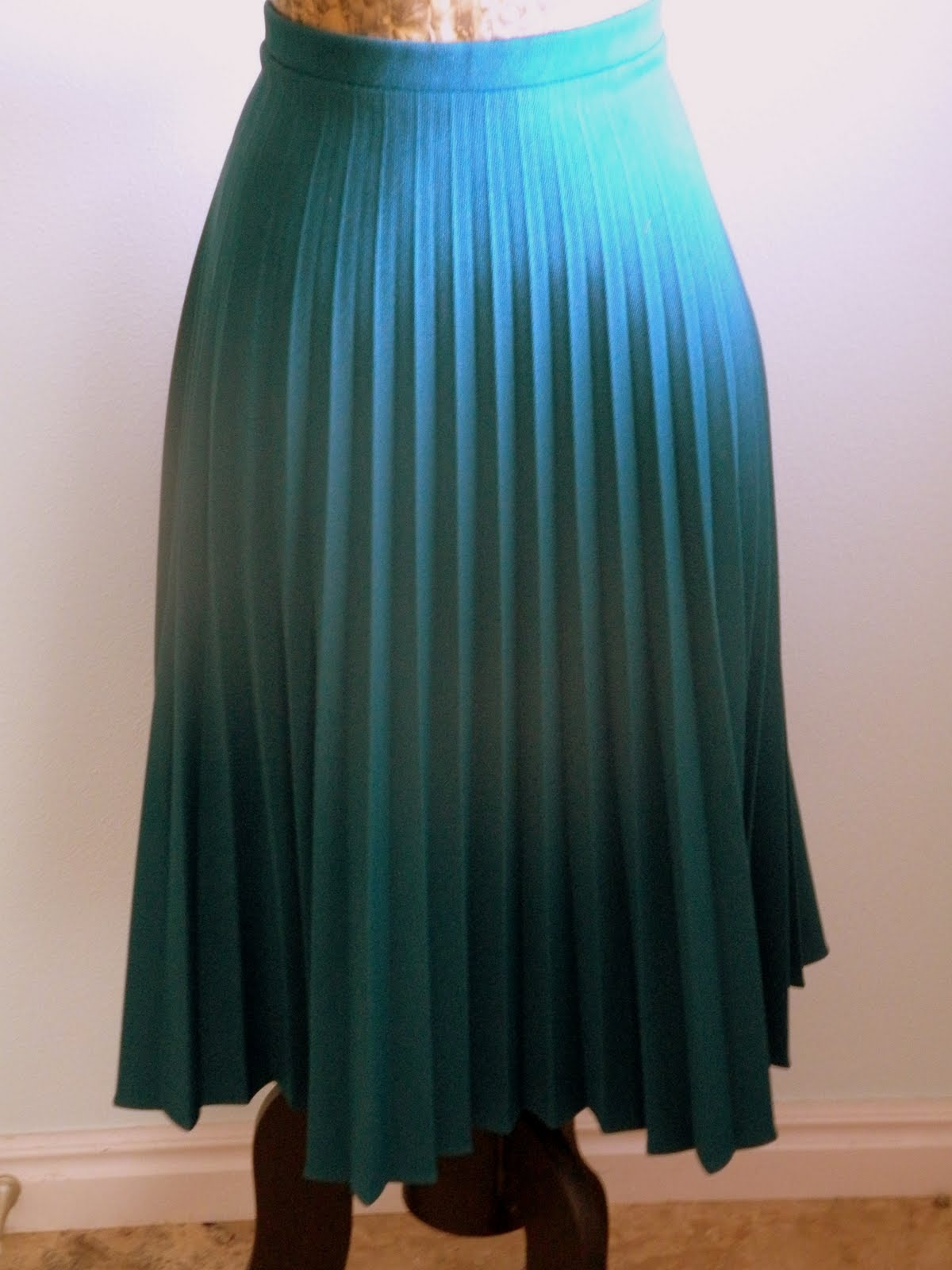 back and forth vintage teal pleated skirt