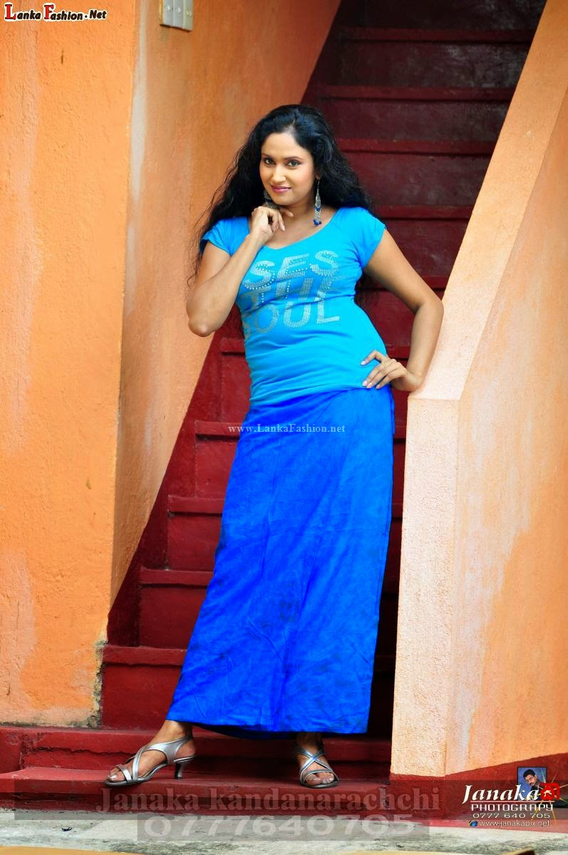 tharushi perera hot blue