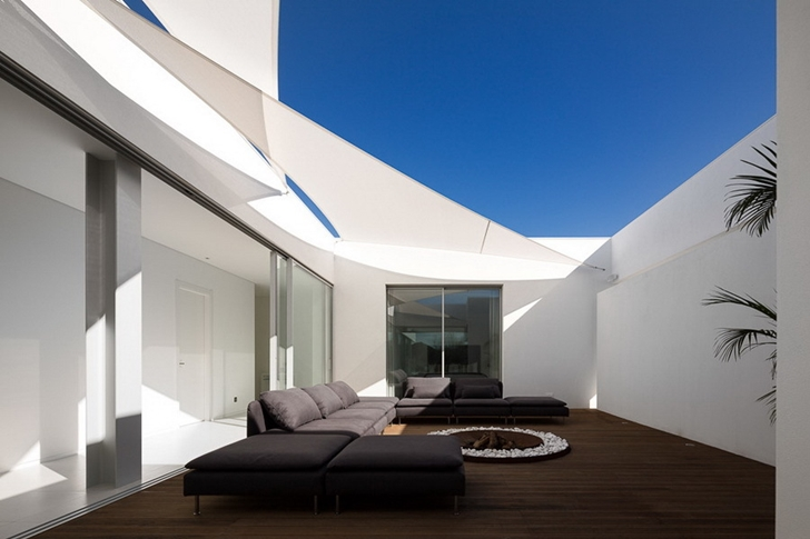Terrace of Modern Villa Escarpa by Mario Martins