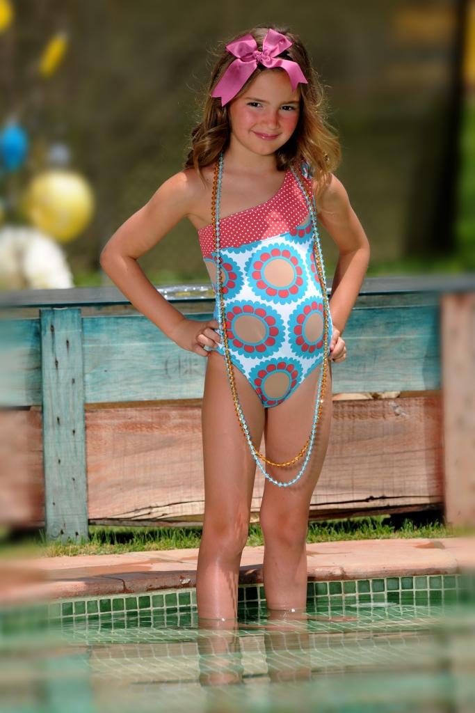 Mariposas en la moda m s moda infantil el estilo en for Ropa de bano infantil
