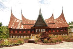 Kunjungi objek wisata budaya Rumah Gadang di Cupak Solok