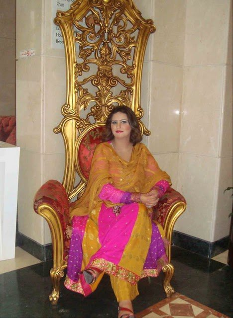 Pashto Drama Actress Azra iqbal celebrity pictures