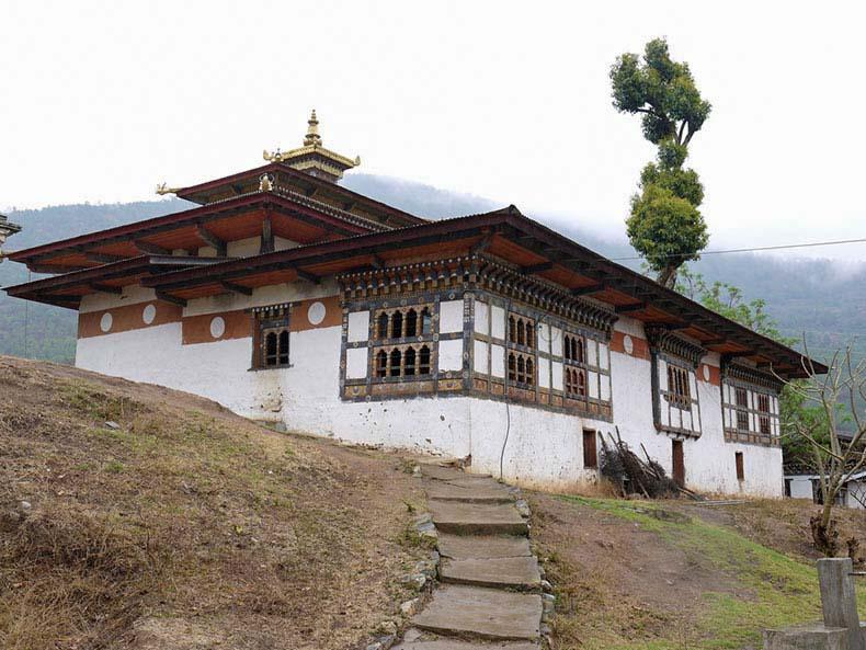 Chimi Lhakhang, un monasterio centrado en el pene que está dedicado al