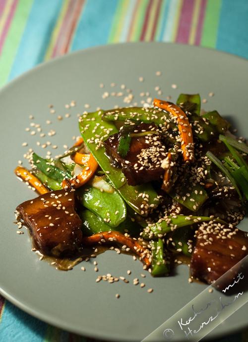 Asiafood: Rot geschmorter Schweinebauch