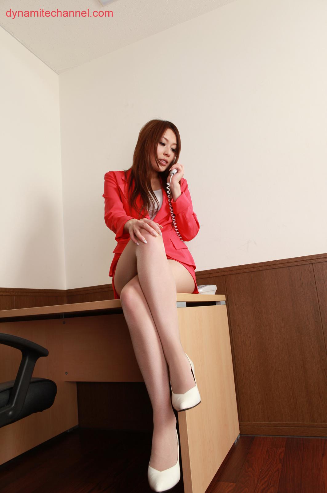 Asakura Japan  city photo : Mai Asakura Japanese Gravure Idol Sexy Red Office Uniform And White ...