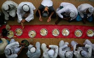 Bacaan Doa Niat Sahur Puasa Ramadhan dan Doa Buka Puasa Beserta Artinya