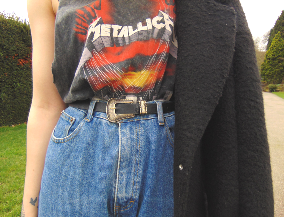 baggy oversized mom boyfriend jeans, graphic oversized drop arm hole metallica tee, stan smith trainers, fishnets under jeans, oversized tailored duster coat, alternative fashion style inspiration 1