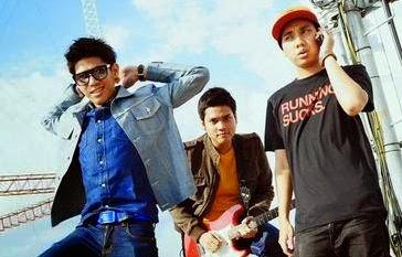 Download Lagu Ran Dekat Di Hati