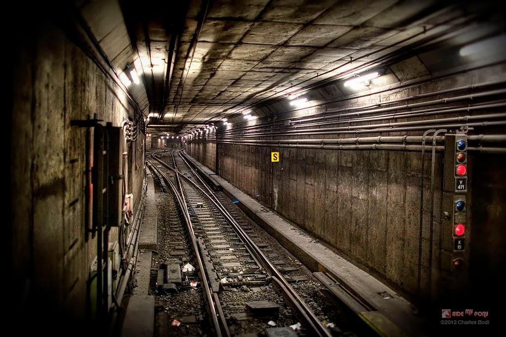 photo de charles bodi representant un couloir de metro