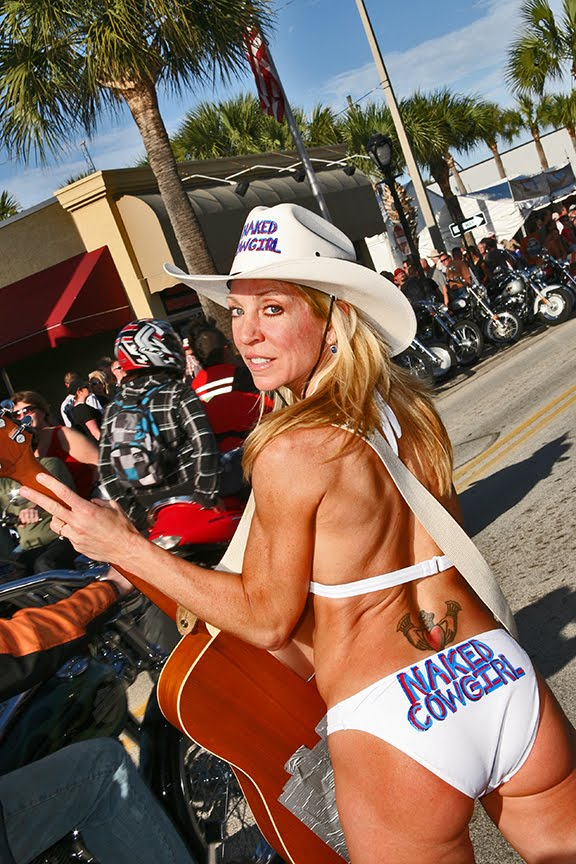Pictures of the naked cowgirl