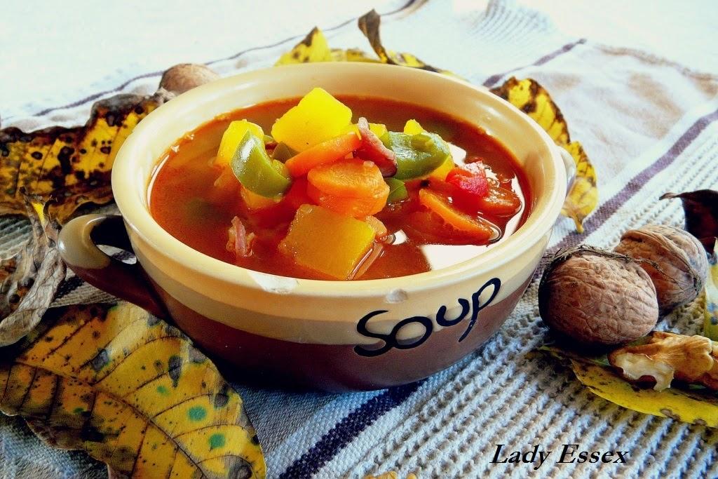Pikantna zupa z dyni i papryki