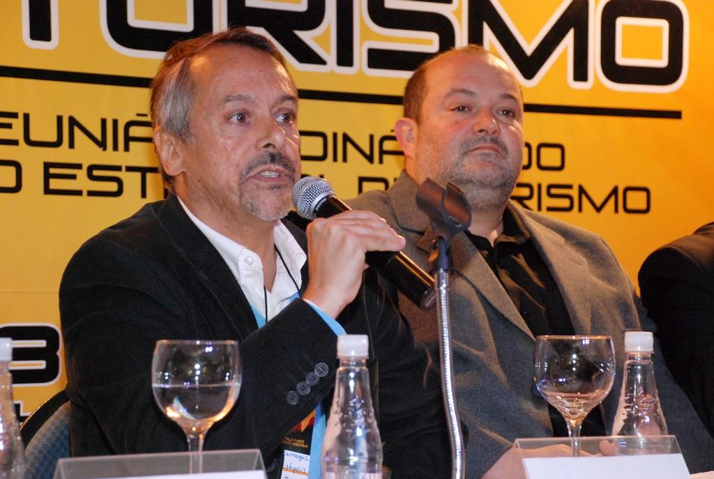 Secretário de Turismo de Teresópolis, Henrique Carregal, e Vice-prefeito Márcio Catão: turismo tratado com profissionalismo