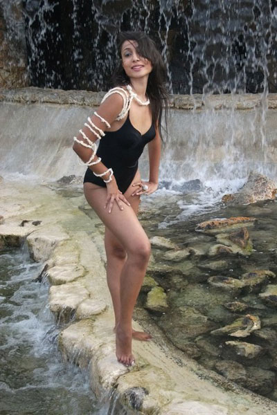 Shalini Panchoo bikini,Shalini Panchoo swimwear,Shalini Panchoo swimsuit