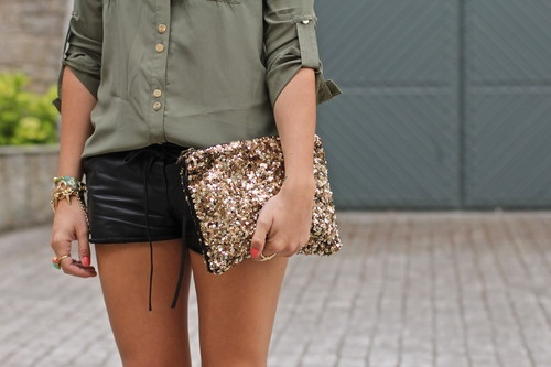 Mint blog, black leather and army green