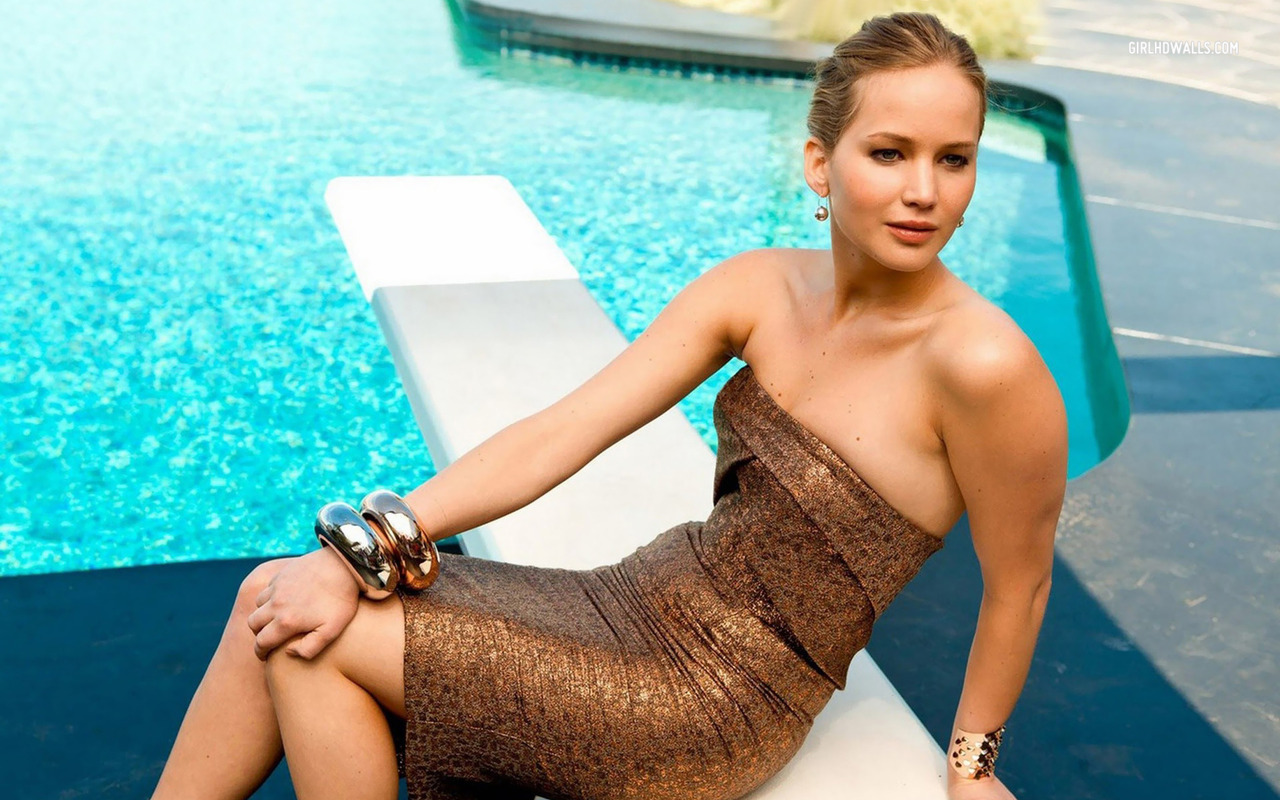 Jennifer Lawrence at Swimming Pool in Mini Top