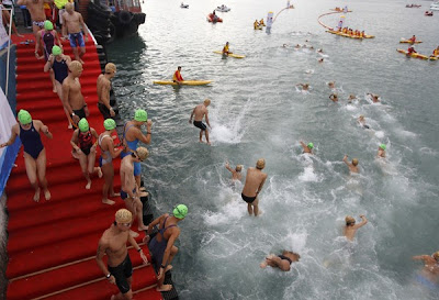 berenang ramai-ramai