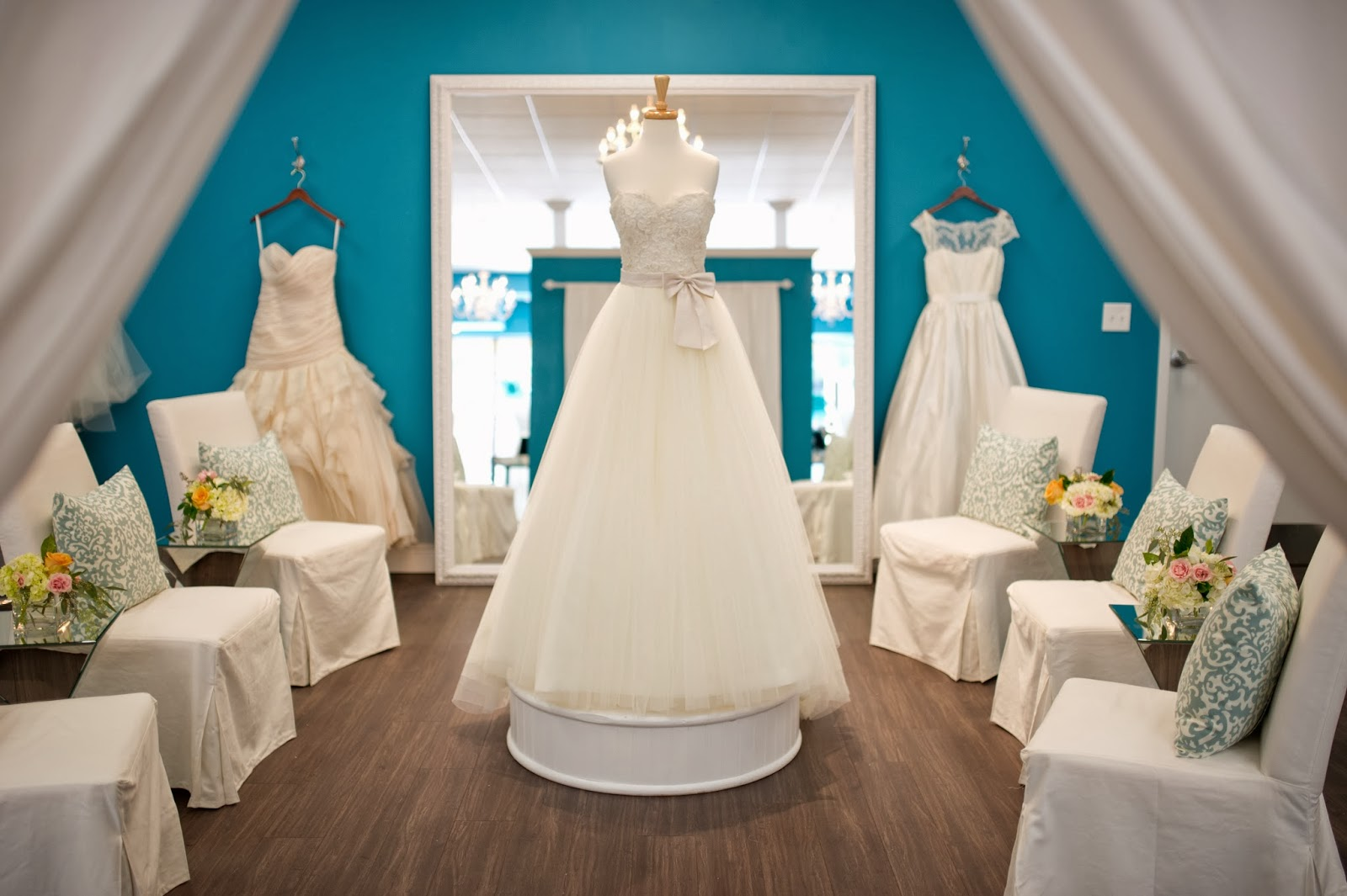 The White Magnolia Bridal Collection: TWM TAMPA IS HIRING!
