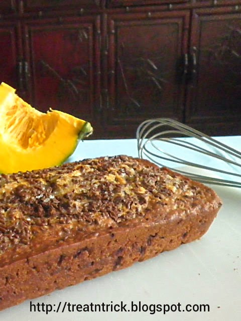 Chocolate Sprinkle Pumpkin Bread Recipe  @ http://treatntrick.blogspot.com