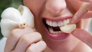 10 Cara Alami Meredakan Nyeri Gigi Habis Dicabut