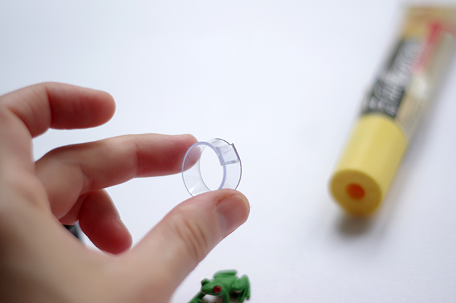 How to make a mini figure statement ring. Step by step fashion tutorial created by Xenia Kuhn for fashion and lifestyle blog www.fashionrolla.com