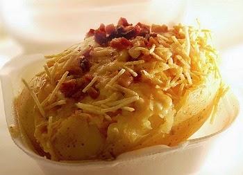 Imagem ilustrativa para ensinar como fazer receita de batata recheada no aparelho microondas.